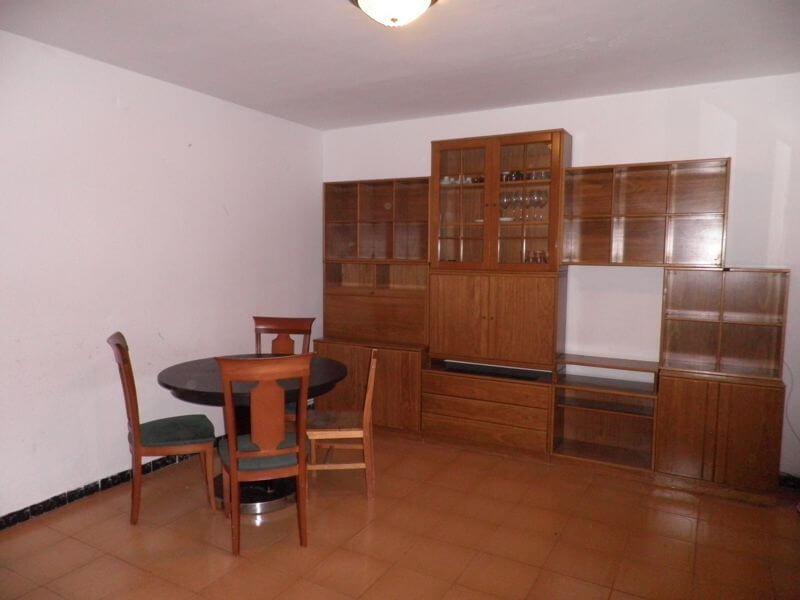 Salón con mesa y mueble de Piso en Alquiler en Premià de Mar