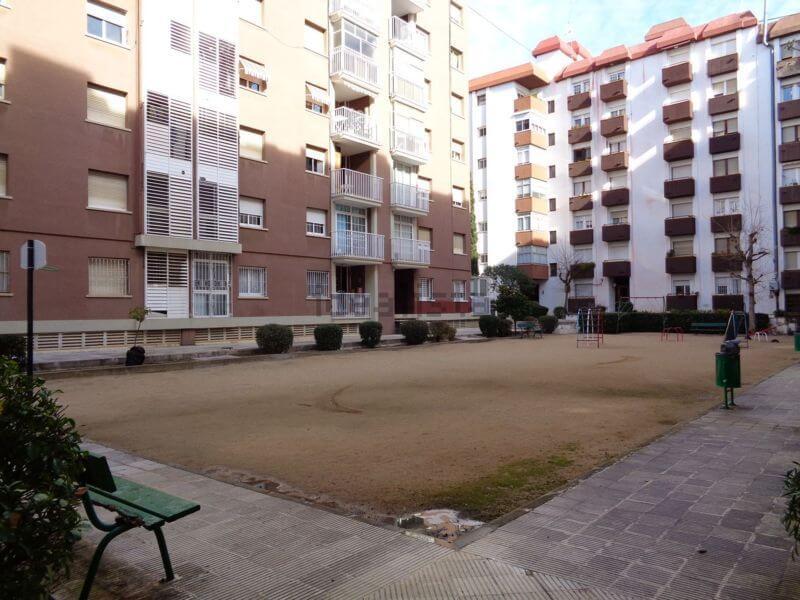 Venta Piso Vilassar de Mar zona interior ajardinada de edificios